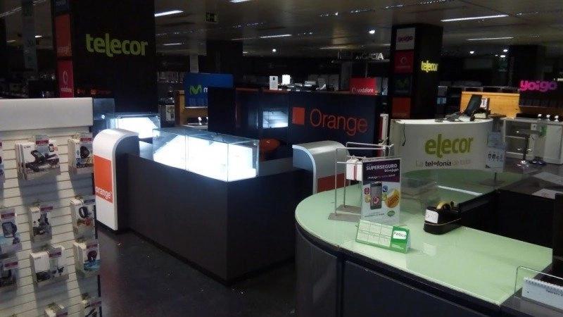 Montaje de mobiliario Orange Corte  inglés