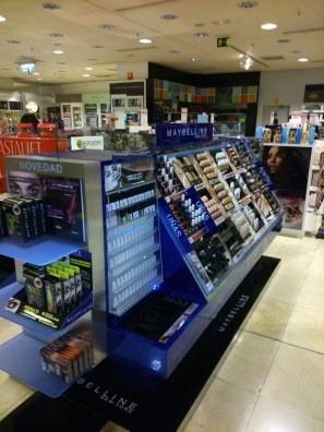 Instalación de góndolas en centros comerciales