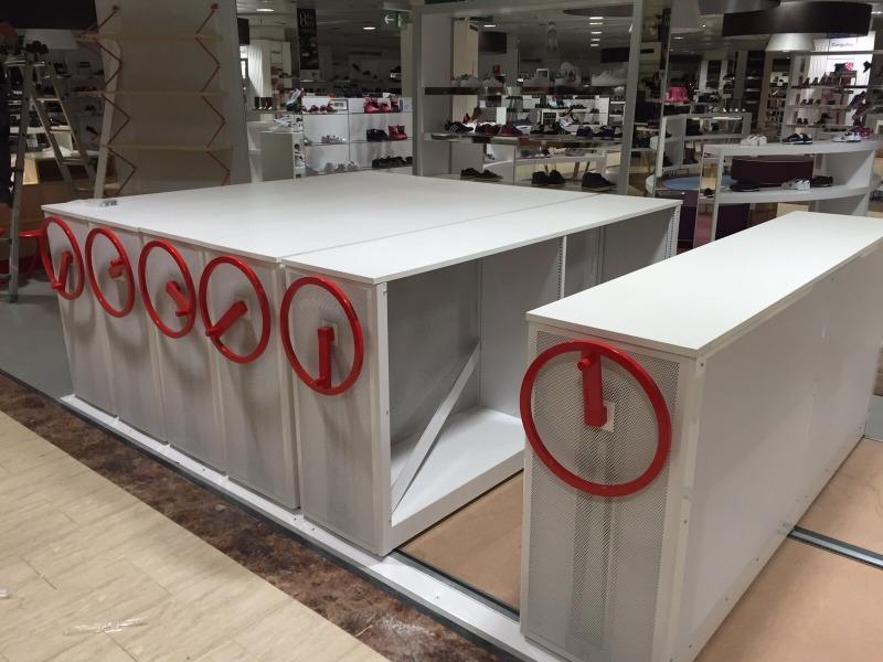 Montajes de mobiliario en centros EL CORTE INGLÉS