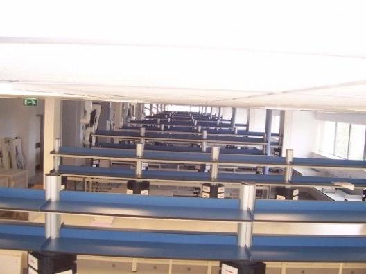 Instalación de laboratorios y mobiliario clínico en hospital