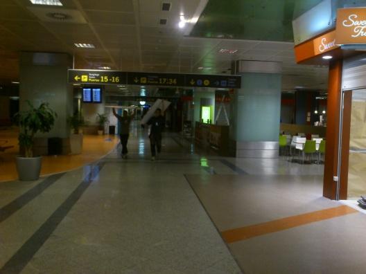 montaje de mobiliario en aeropuertos