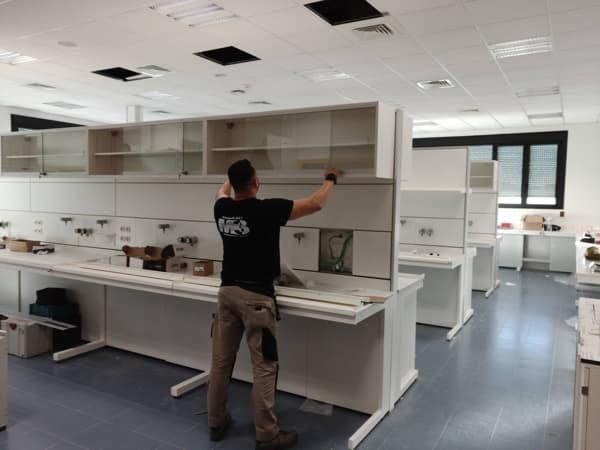 Montaje de Mobiliario clinico