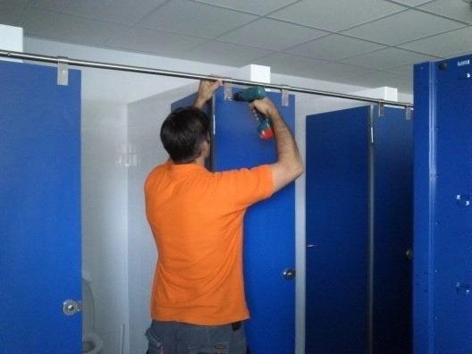 Montaje e Instalación de Cabinas Sanitarias Fenólicas