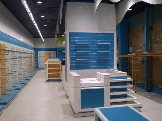 Montaje instalación estanterías para comercios