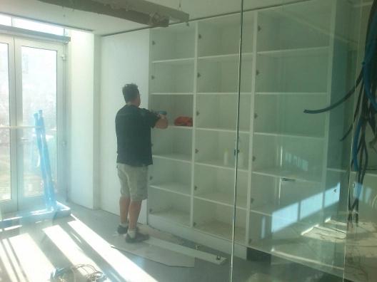 instalación de estanterías en oficinas
