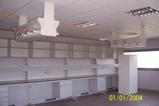 Montaje de Mobiliario de Laboratorio para Empresas o Fabricantes