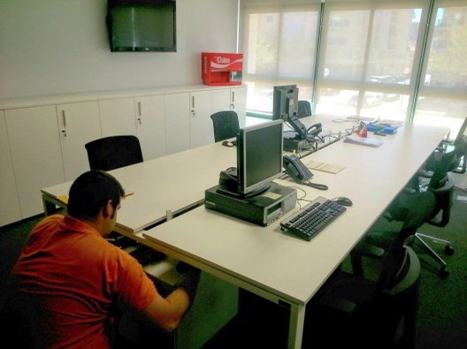 Montaje de mobiliario de oficinas