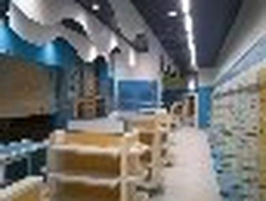 Montaje de mobiliario para tiendas