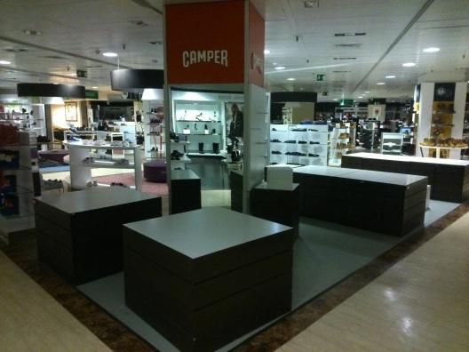 Montaje de mobiliario comercial camper