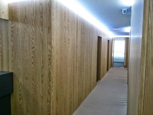 Montaje de muebles para hoteles con led