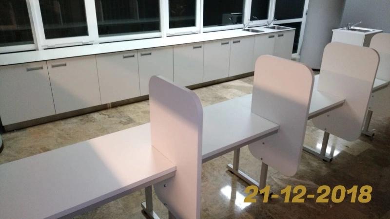 Montaje de sala de curas mobiliario clínico, investigación o de laboratorio
