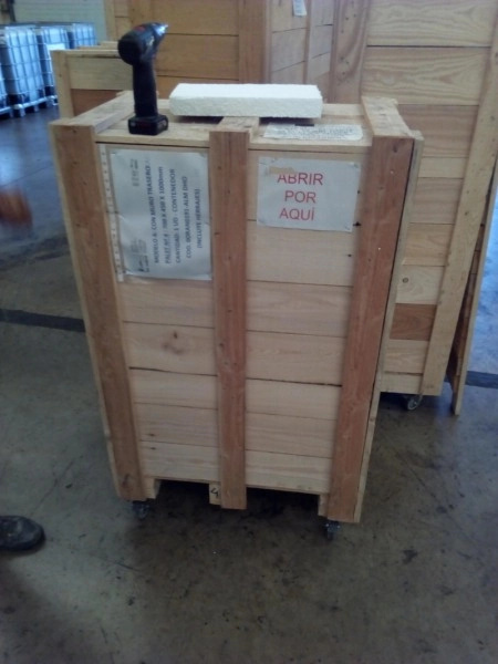 Montaje de stand en cajas